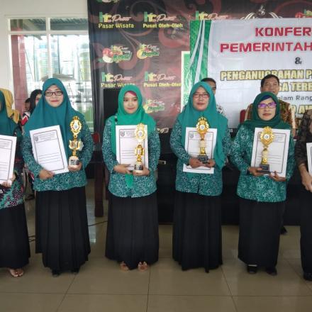Album : Penganugerahan Jatirogo Award untuk Desa Sugihan